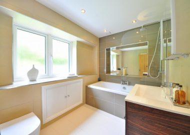 bathroom-1336167